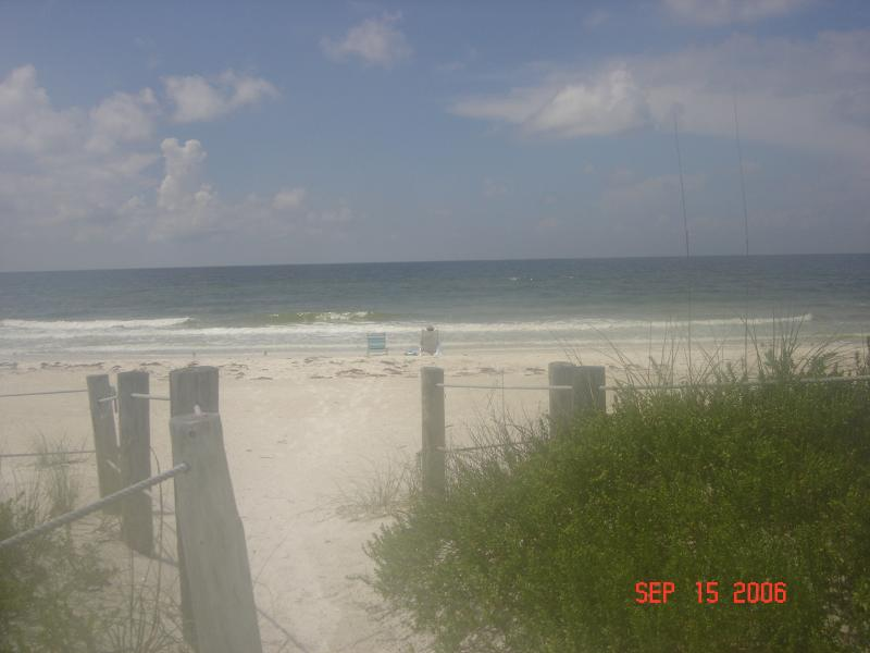 BEACH ENTRANCE - AnnaMariaIsland a Paradise. MINUMIM RENTAL 2 WEEKS - Bradenton Beach - rentals