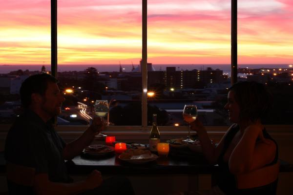 Spectacular Sunset Views - Eagles Nest Studio Plus Apartment - Fremantle - rentals