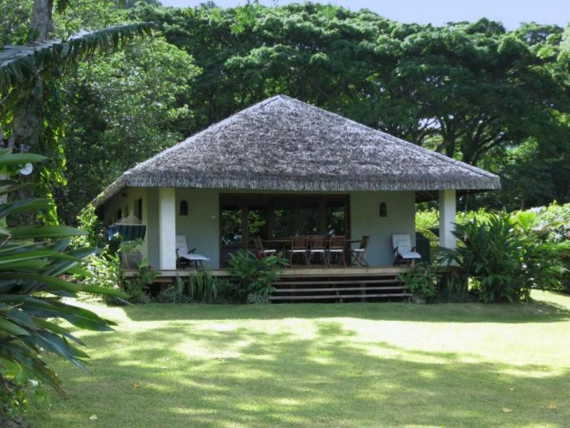 Otemanu Tu from the water - Otemanu Tu - Luxury Waterfront Cottage - Port Vila - rentals