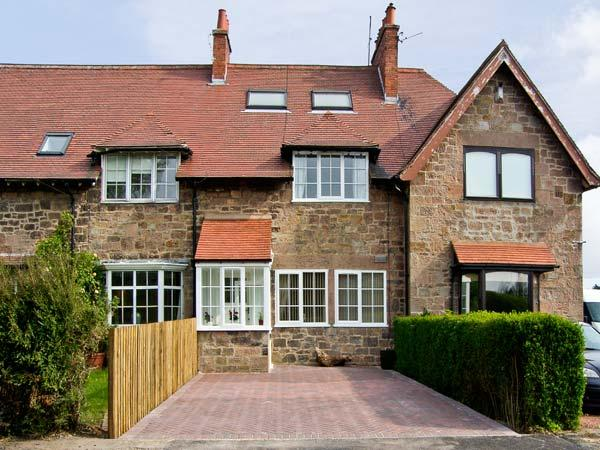 THE BARMOOR RETREAT, family friendly, country holiday cottage, with a garden in Lowick Near Holy Island, Ref 906100 - Image 1 - Lowick - rentals