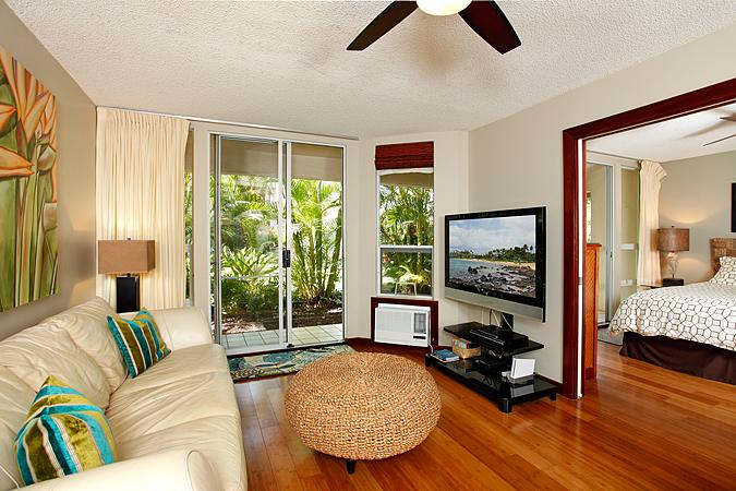 Unit A101 with bamboo floors and stylish decor - Stylish Remodeled Maui Banyan with Lots of Extras! - Kihei - rentals