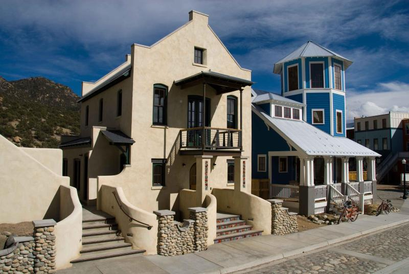 The Guesthouse is on the 2nd story and can be accessed by either set of entry steps - Luxurious Guest House Near River in Hip Downtown - Buena Vista - rentals