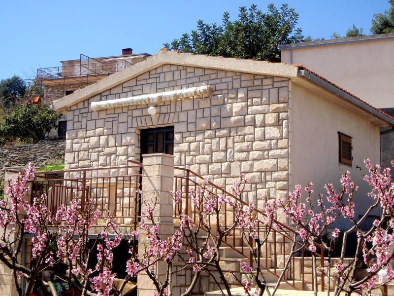 Little stone house Pincul outside - Little stone house Pincul (2+1) - Stomorska, Solta - Stomorska - rentals