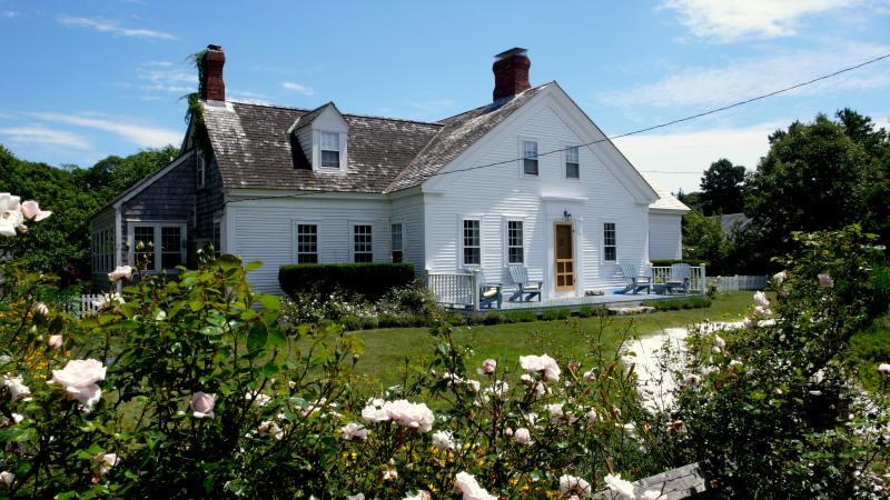 saturday farm inn2 - Walk to Beach; 5 bedroom, 4 ba, Cape Cod Farmhouse - West Harwich - rentals