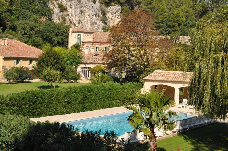"Southern garden and swimming pool - ""Les Cigales"" at  le MOULIN DE LA ROQUE - Saint-Remy-de-Provence - rentals"