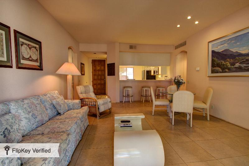 Palm Springs Luxury Golf Condo - Image 1 - Palm Springs - rentals
