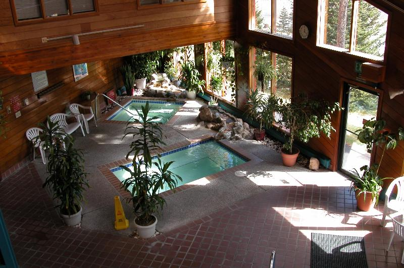 Hot tubs in club house - Awesome Condo  - Unparalleled Mountain Views! - Silverthorne - rentals