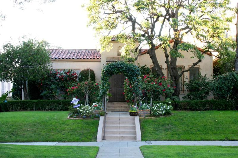 Beverly Hills Hacienda Style Home in 90210 - Image 1 - Beverly Hills - rentals