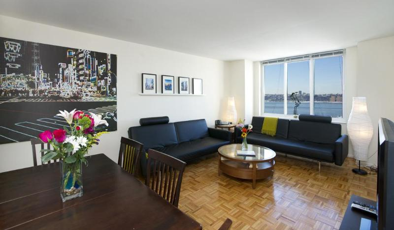 3 BEDROOM DELUXE APARTMENT - Deluxe: 3 Bedroom Midtown, Walk to Times Square - New York City - rentals