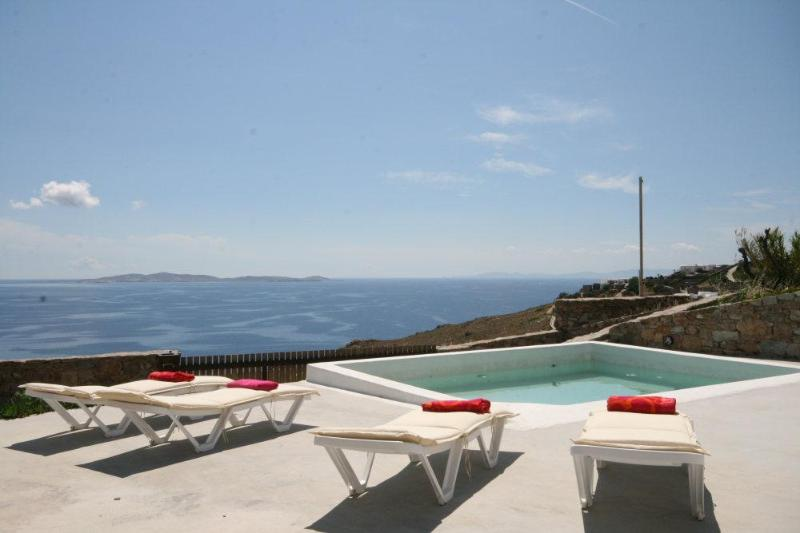 Mykonos villa with 3 bedrooms and private  pool - Image 1 - Mykonos - rentals