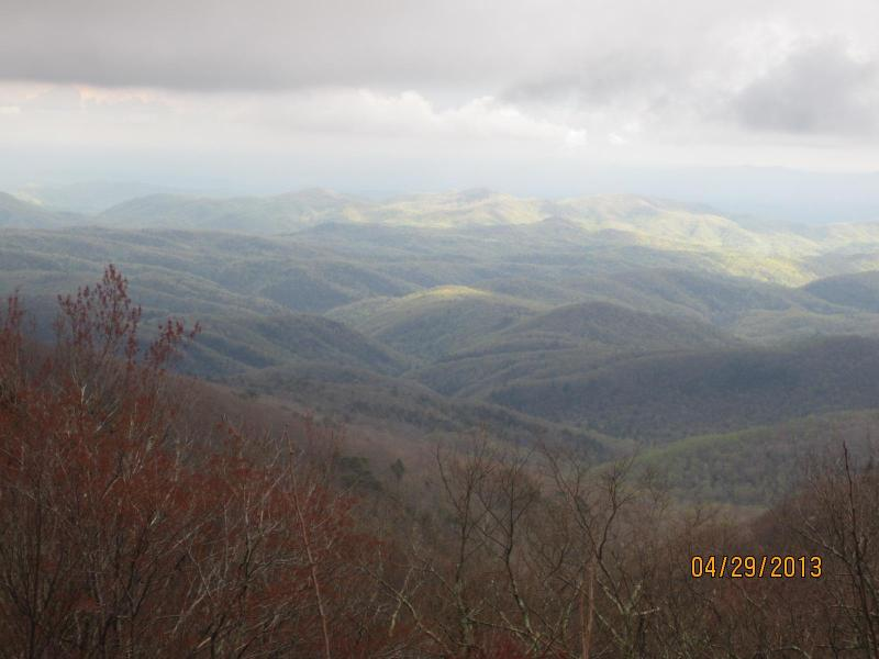 Blowing Rock View - Caleb's Has a Great View and Super Location - Blowing Rock - rentals
