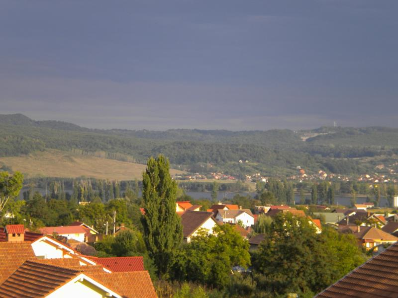 View from the bedrooms - Large Duplex with river Olt Valley mountain views - Ramnicu Valcea - rentals
