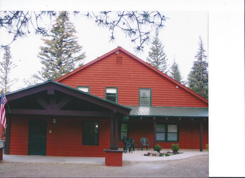 Welcome to the Lodge!! - Luxury Retreat Big Enough for the Whole Family - Dolores - rentals