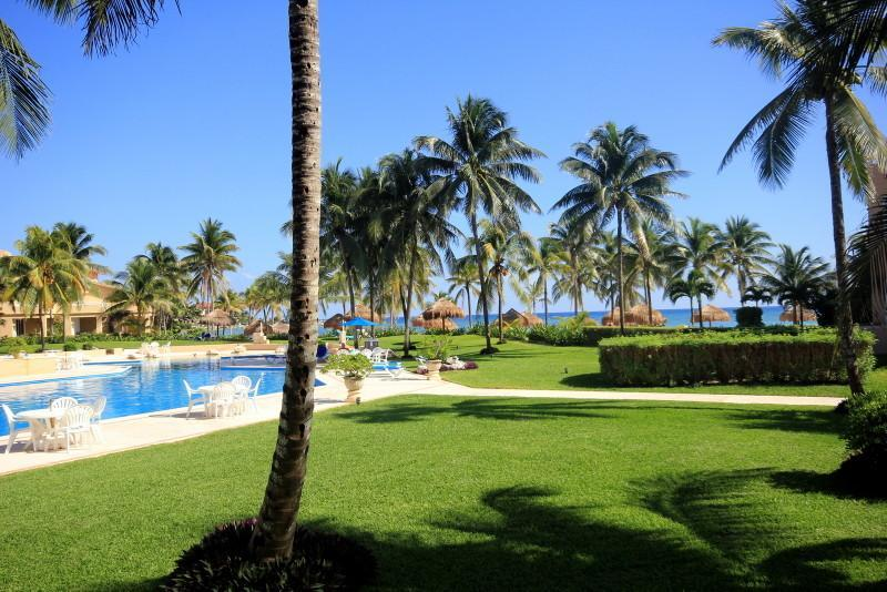 Gorgeous Views - GROUNDFLOOR 3 BR OCEANFRONT WIFI POOL ON OCEAN!!!! - Puerto Aventuras - rentals