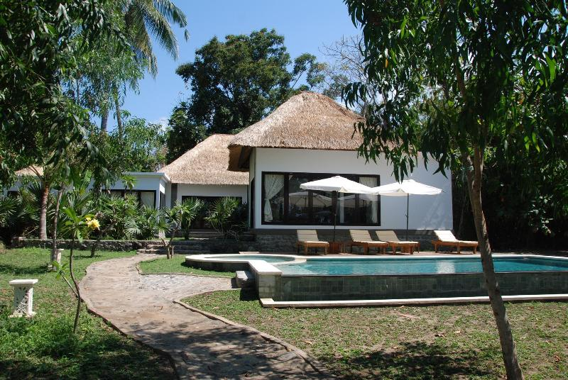 View from the beach - Villa of your dream at the coral reef / Diving - Candidasa - rentals