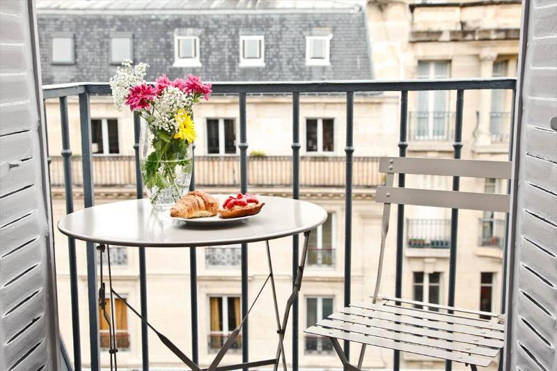 Balcony Apartment with Wifi in Luxenbourg and Latin Quarter of Paris - Image 1 - Paris - rentals