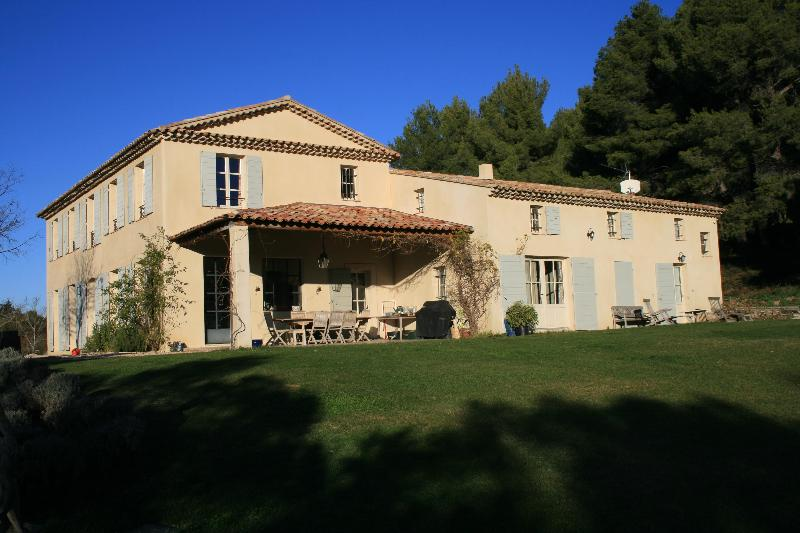 View from the garden - Magnificent bastide  in Aix en Provence - Aix-en-Provence - rentals