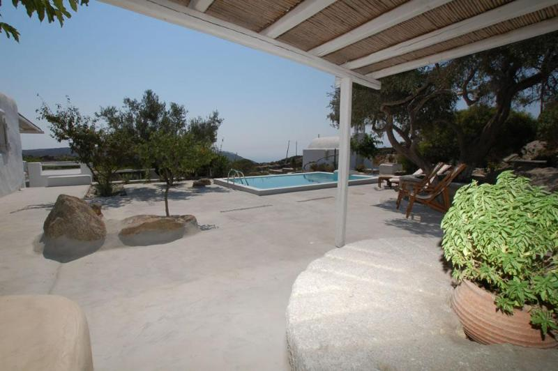 Outdoor Pergola and swiiming pool - Mykonian House - Mykonos - rentals