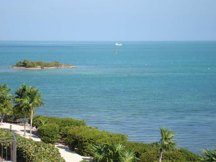 View from our lower balcony - SeaGlass-20 feet from the Gulf of Mexico - Marathon - rentals