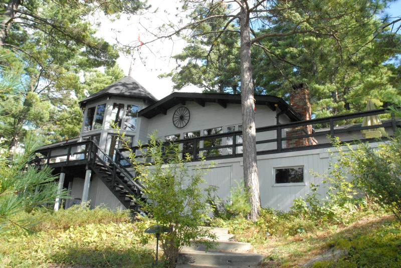 View of cottage from steps leading up from the beach - Beautiful Muskoka cottage on Muldrew Lake - Muskoka - rentals