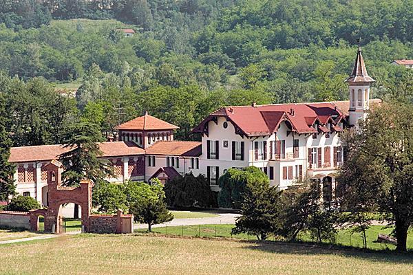 Hunting Castle Villa Val Lemme Piemonte with Pool - Image 1 - Capriata d'Orba - rentals