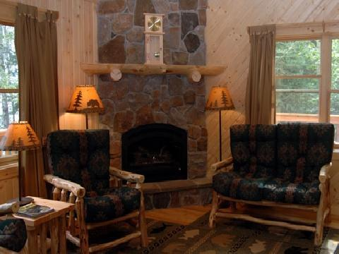 Evergreen Cabin - Deluxe, Fireplace, Whirlpool Tub - Image 1 - Ely - rentals