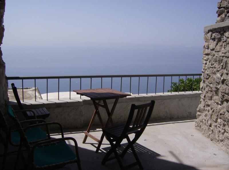 Patio with seaview - Seaview apartment - few minutes from Positano - Nocelle di Positano - rentals