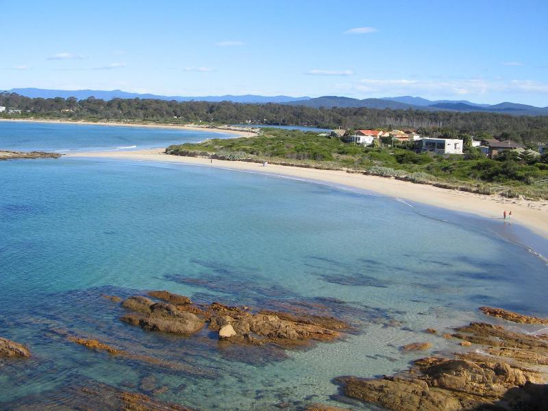 Tomakin cove from lookout - Sunpatch cottage of Batemans Bay Pet Holidays - Tomakin - rentals