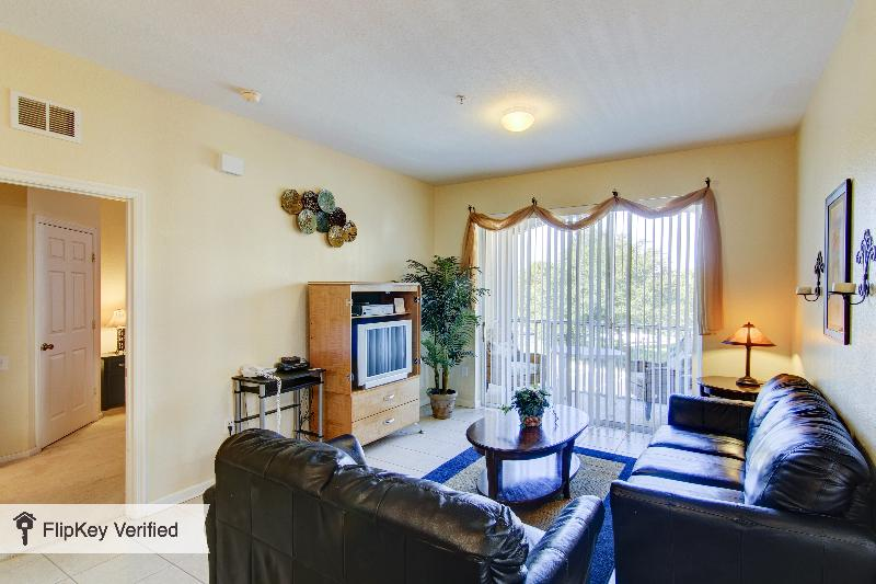 Windsor Hills 3 Bedroom Condo, Less Than 2 Miles to Disney - Image 1 - Kissimmee - rentals