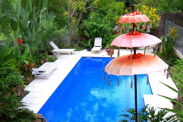 Relax by the secluded salt water pool.. - Plantation Cottages 15 mins from Byron Bay - Ocean Shores - rentals