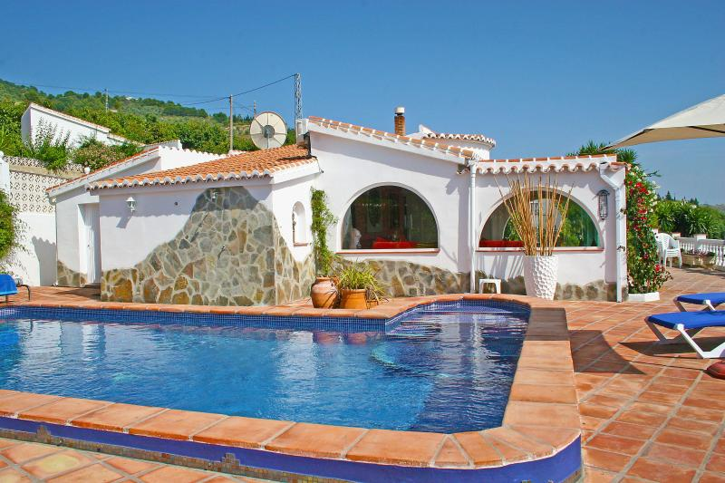 Side of house - Beautiful Andalucian Moorish style villa - views - Malaga - rentals