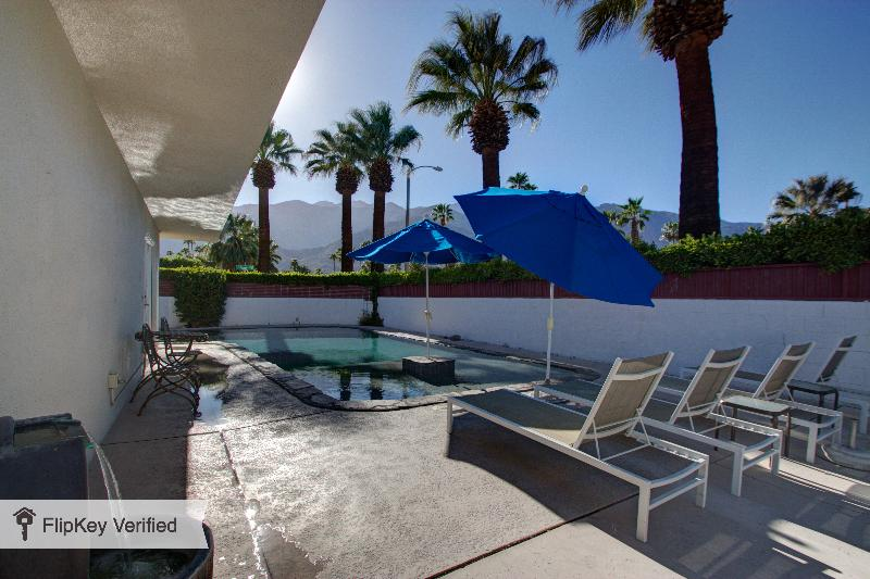 Paradise Corner - Atomic Ranch in Palm Springs - Image 1 - Palm Springs - rentals