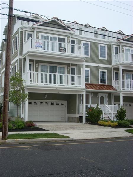 Front of Rental Building - North Wildwood-Beach Block-With a Pool - North Wildwood - rentals
