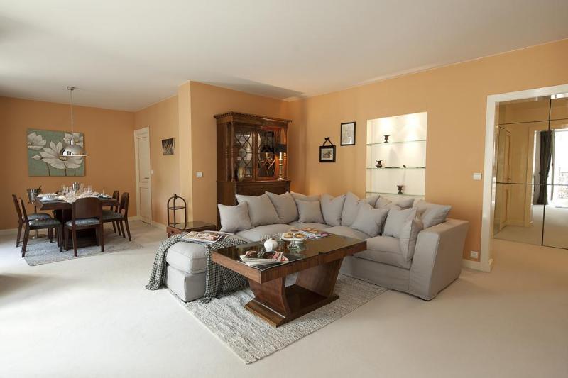 Luxury Paris Rental Sleeps 6 - Image 1 - Paris - rentals
