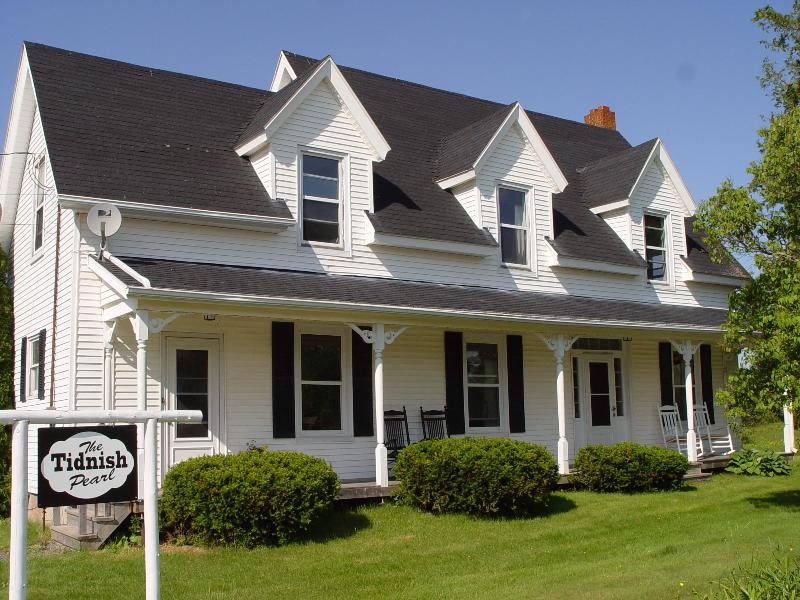 The Tidnish Pearl - Home Front - THE TIDNISH PEARL- GRAND HERITAGE NOVA SCOTIA HOME - Amherst - rentals
