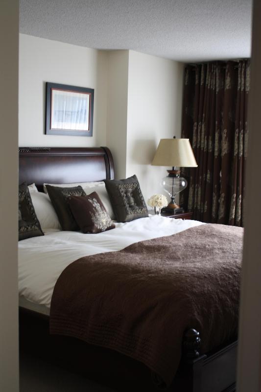 Master bedroom - LUXURIOUS 4 1/2 WESTMOUNT APARTMENT - Westmount - rentals