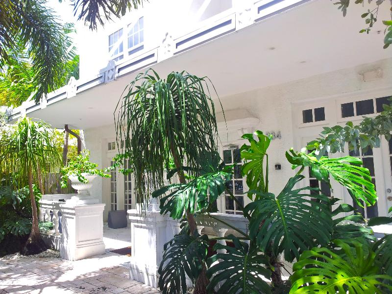 Gorgeously renovated building - AMAZING 1bd in South Beach Art Deco with POOL - Miami Beach - rentals