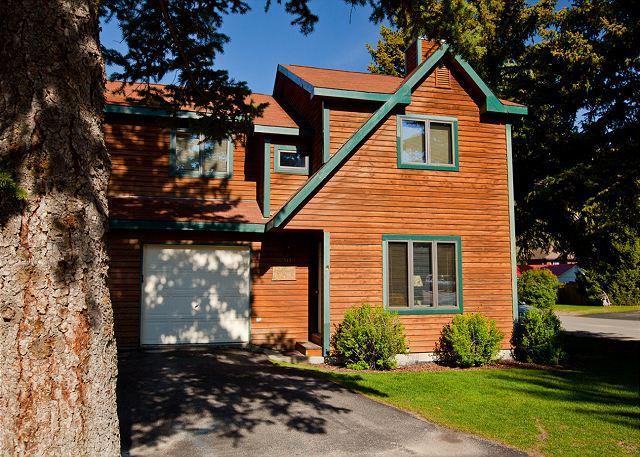 Exterior - front - 513 S. Cache - Convenient Jackson Hole Location! - Jackson - rentals