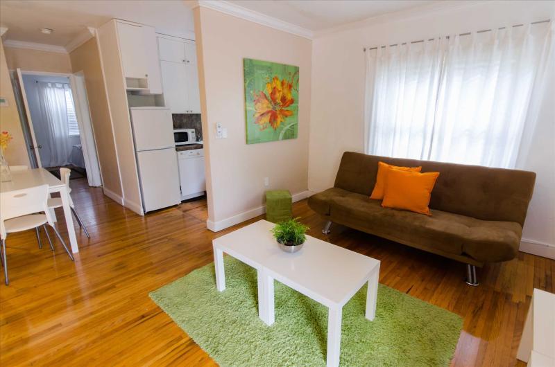 Cozy Apartment in Miami's Historic Roads Neighborhood - Image 1 - Miami - rentals