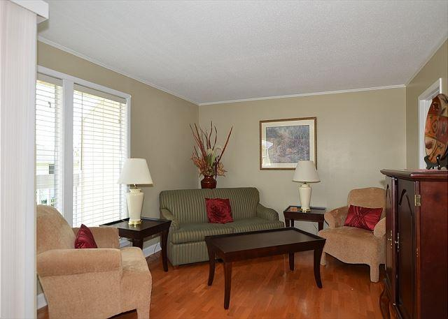 Walking distance to the Beach and the Harbor - Beautiful one bedroom condo - Image 1 - Destin - rentals