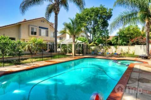 Pool with child safety fence - Family Paradise with Private Pool - Oceanside - rentals