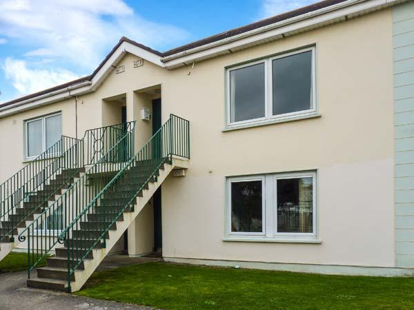 23 ANCHOR MEWS, ground floor apartment, off road parking, shared front lawn, in Arklow, Ref 28682 - Image 1 - Arklow - rentals