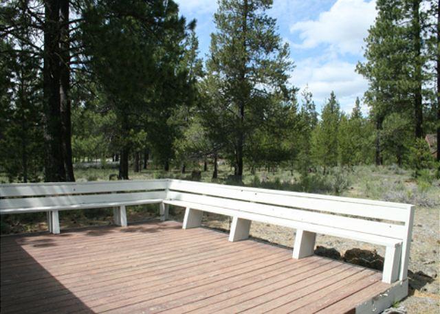 Walk to Fort Rock Park! Private Hot Tub, Large Living Area - Image 1 - Sunriver - rentals