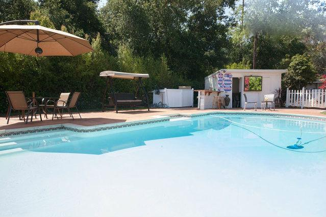 Great new guest house with a perviet pool - Image 1 - Los Angeles - rentals