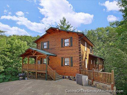 Smoky Bear Manor - Image 1 - Sevierville - rentals