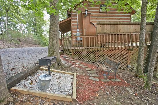 Honeymooner Hideaway - Image 1 - Sevierville - rentals