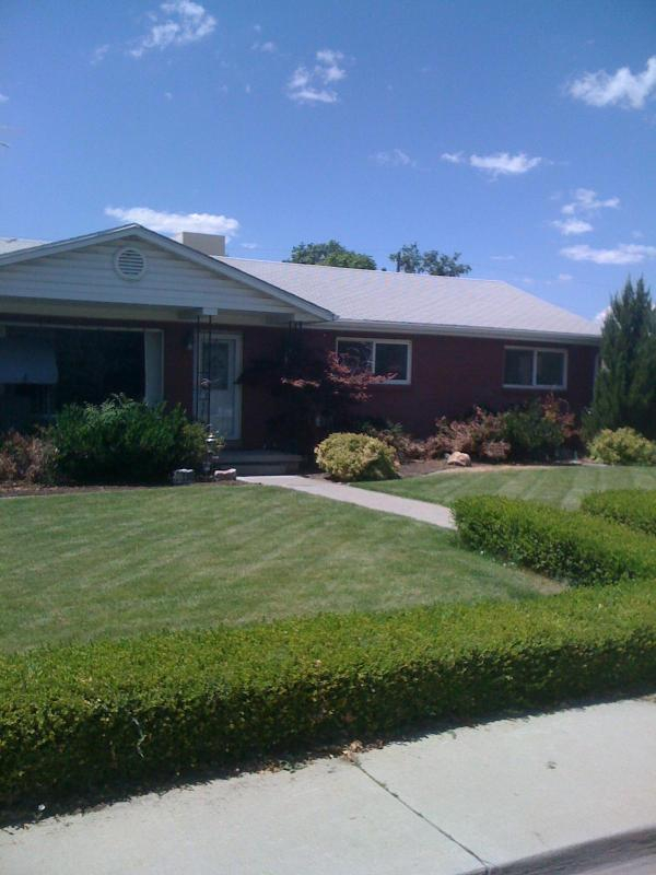 Beautiful quiet established home in excellent neighborhood - Beautiful 4 bed/2 bath home - Provo near BYU & UVU - Provo - rentals