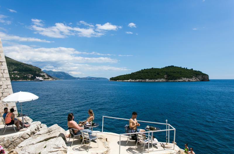 Buza beach bar is literally seconds away - Beach bar Buža apartment 2 - Dubrovnik - rentals