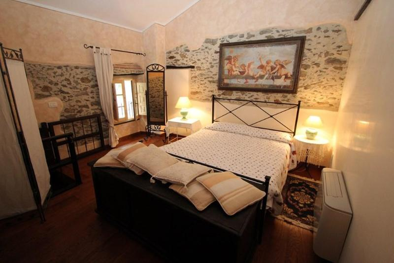A beauty on the Tuscan Hills - Image 1 - Levigliani - rentals