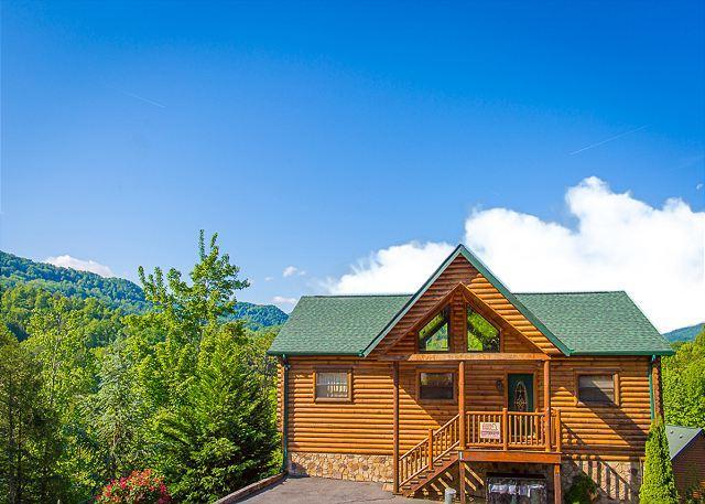 AUGUST SPECIAL from $199! 4BR Luxury Gatlinburg Cabin w/ Views & Hot Tub! - Image 1 - Gatlinburg - rentals